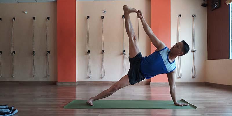 Yoga-in-India.jpg